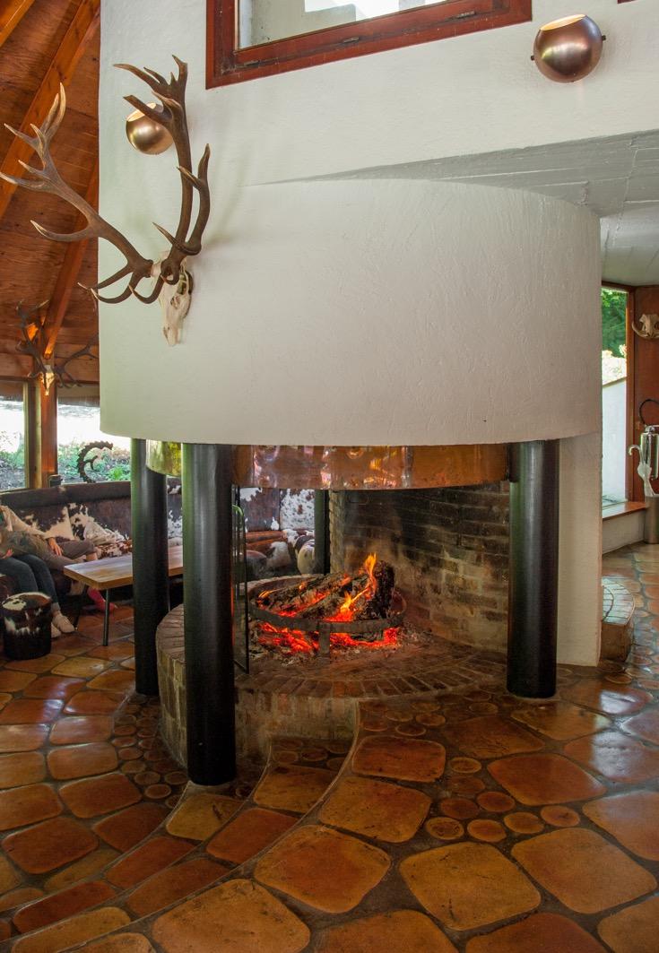 salle domaine de la roche couloir seminairederniereminute. Black Bedroom Furniture Sets. Home Design Ideas